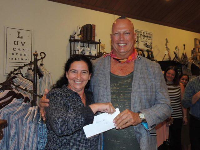 ateliers-89-elvis-lopez-izaira-mansur-t-h-palm-and-company-december-donation-event-in-aruba-visitaruba-news