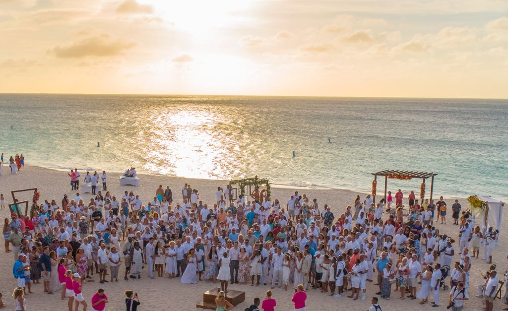Aruba Hosts Largest Vow Renewal Ceremony in the Caribbean for Second Year in a Row