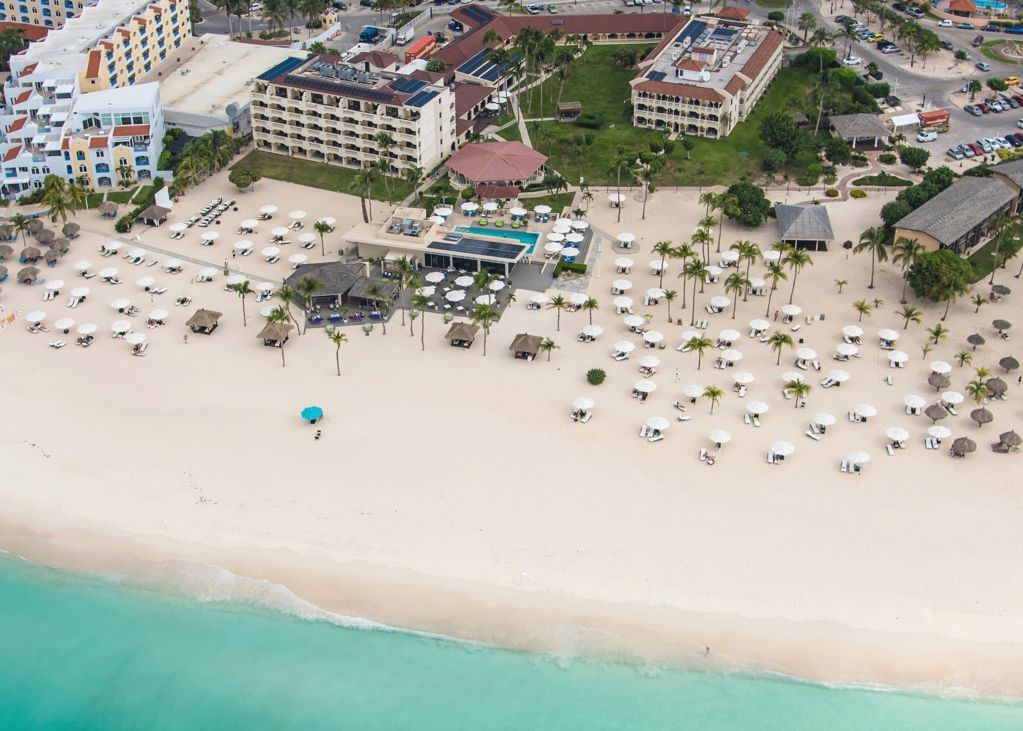 Bucuti & Tara Aruba Beach Resort Celebrates Employee Anniversaries
