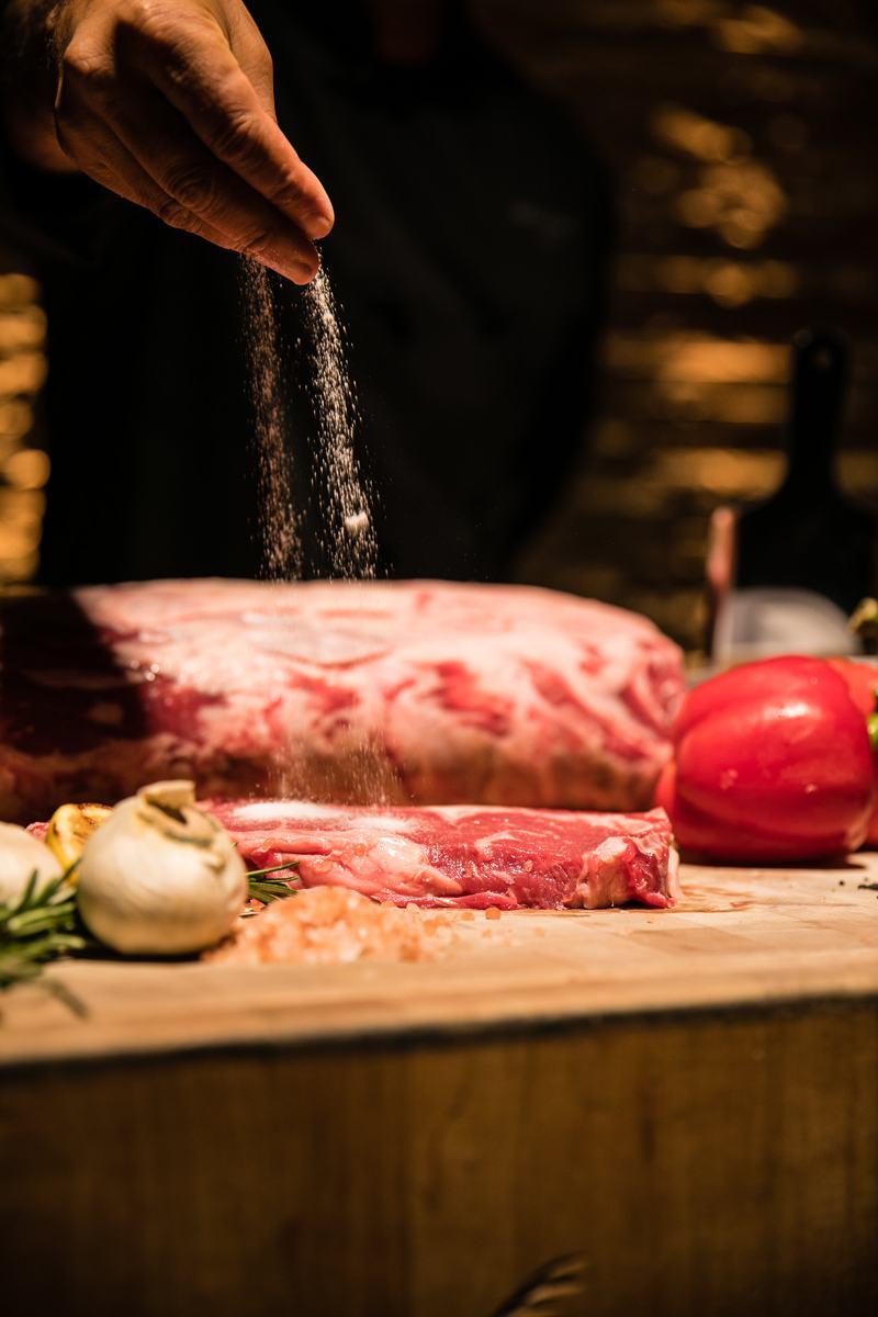 raw-meat-steak-LG-Smiths-Aruba