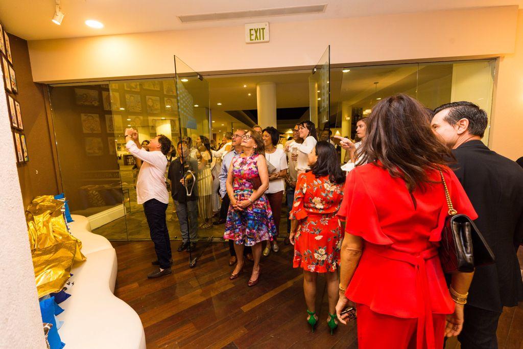 Sunset Grille of Hilton Aruba Inaugurates a Wall of Fame