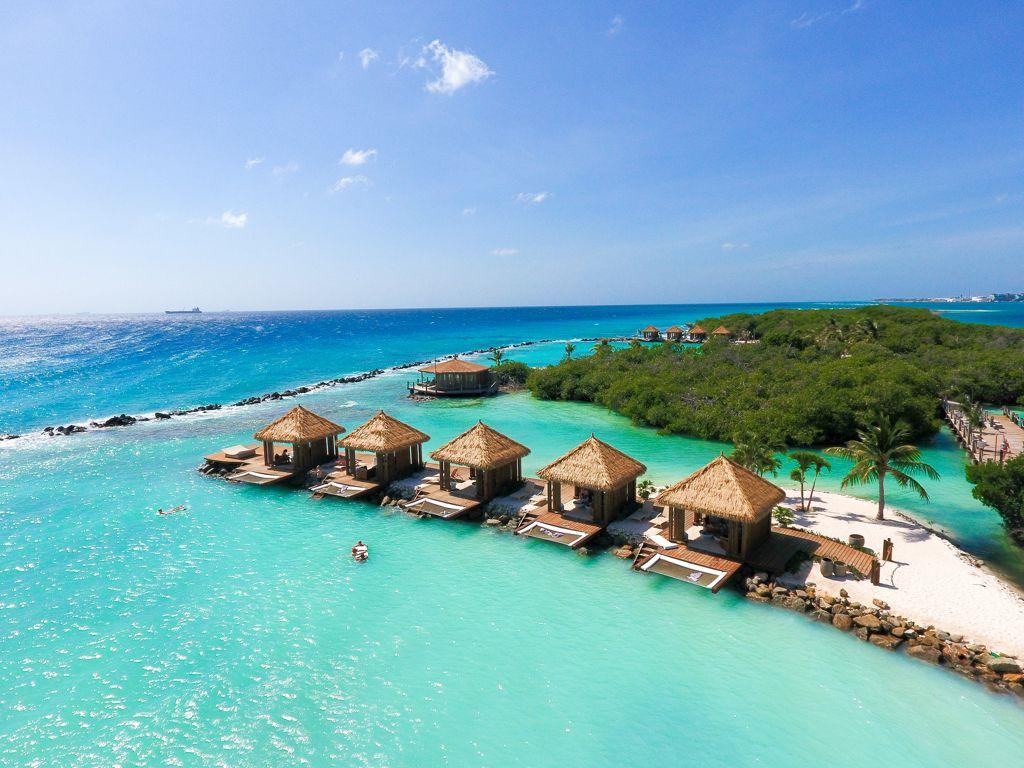 Renaissance Aruba Wins Two Global Elite Awards