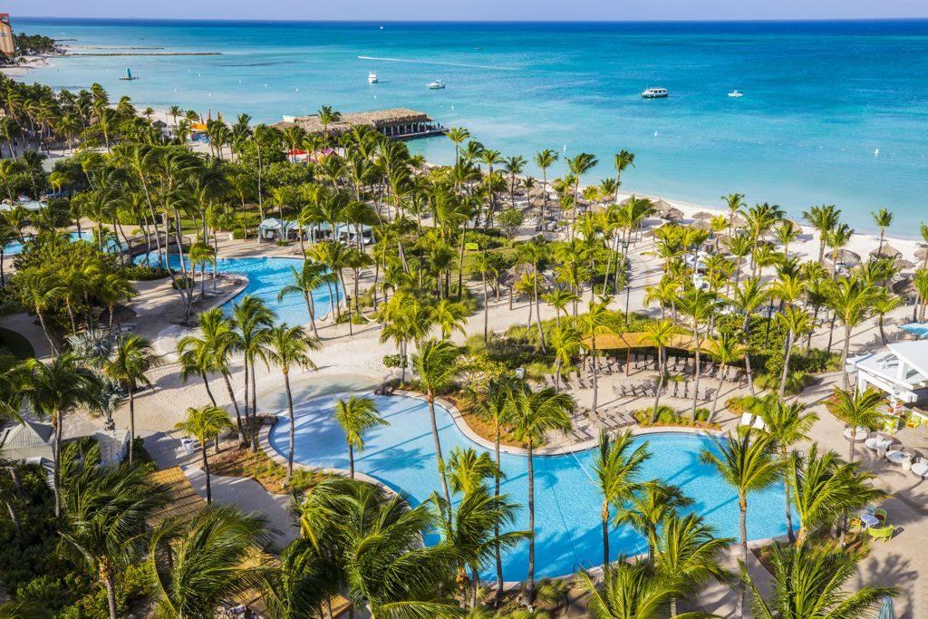 Aruba Resort Assistant Manager Rufo Ruiz nominated for Hilton's CEO Light & Warmth Award