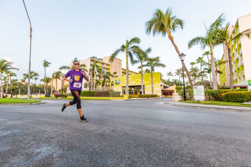 "Holiday Inn Resort Aruba Kicks off 50th Anniversary Celebration with ""Run for Gold"" Event"