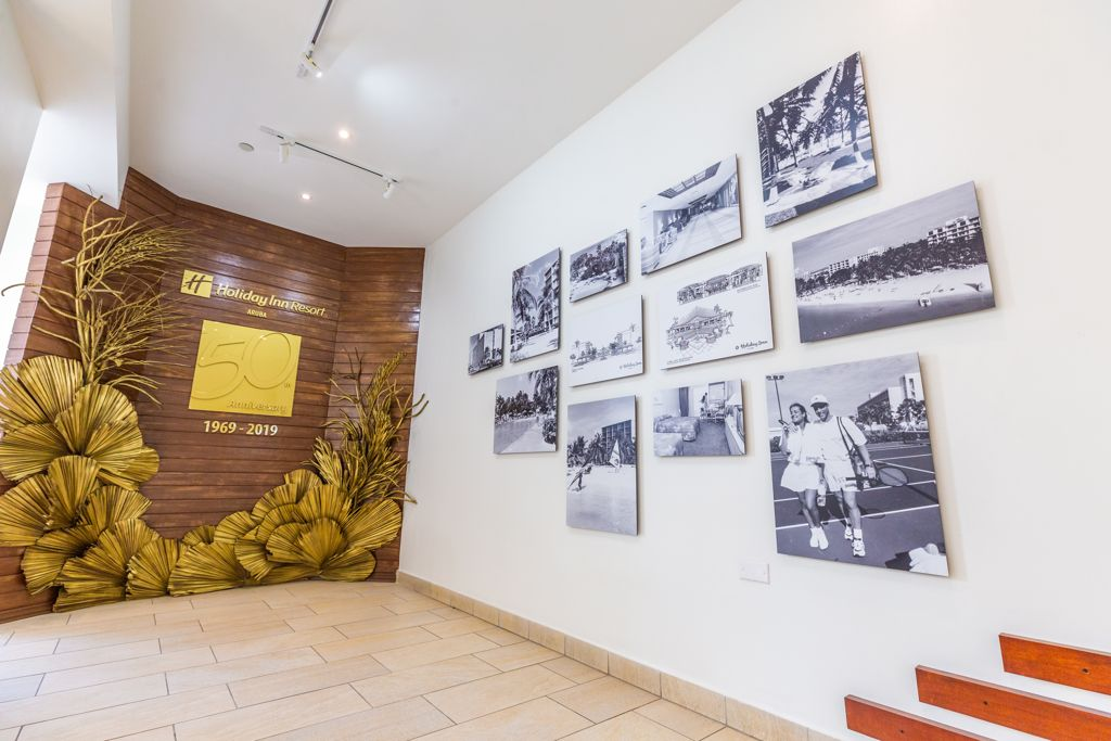 Holiday Inn Inaugurated their Hadrey Gallery Honoring Staff, Aruban Culture & History