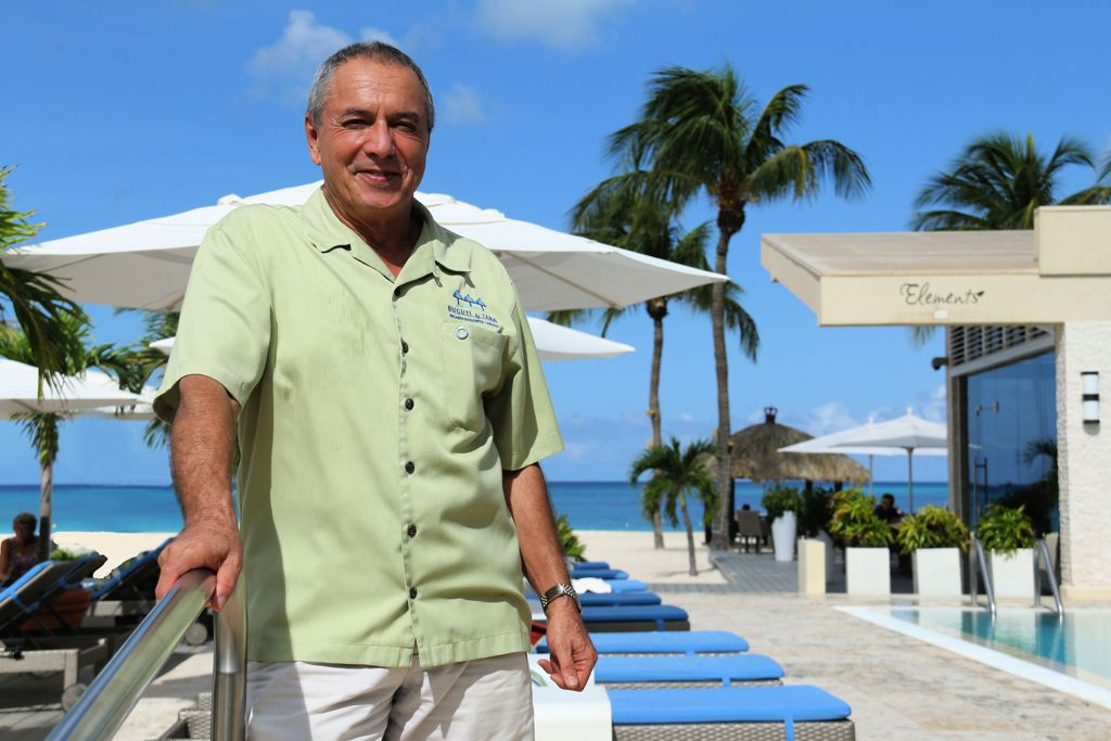 Top Travel Journalists Honor Bucuti & Tara Aruba Resort Founder