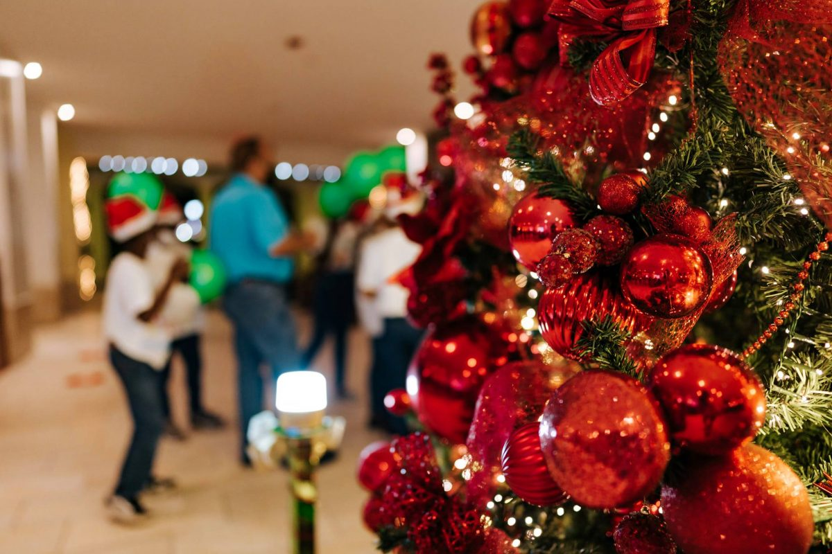 The Spirit of Christmas Arrived at Holiday Inn Resort Aruba