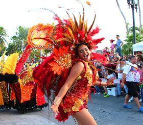 carnival-aruba-grand-parade-oranjestad-costumes-2018-caribbean-visitaruba-visit-travel.jpg