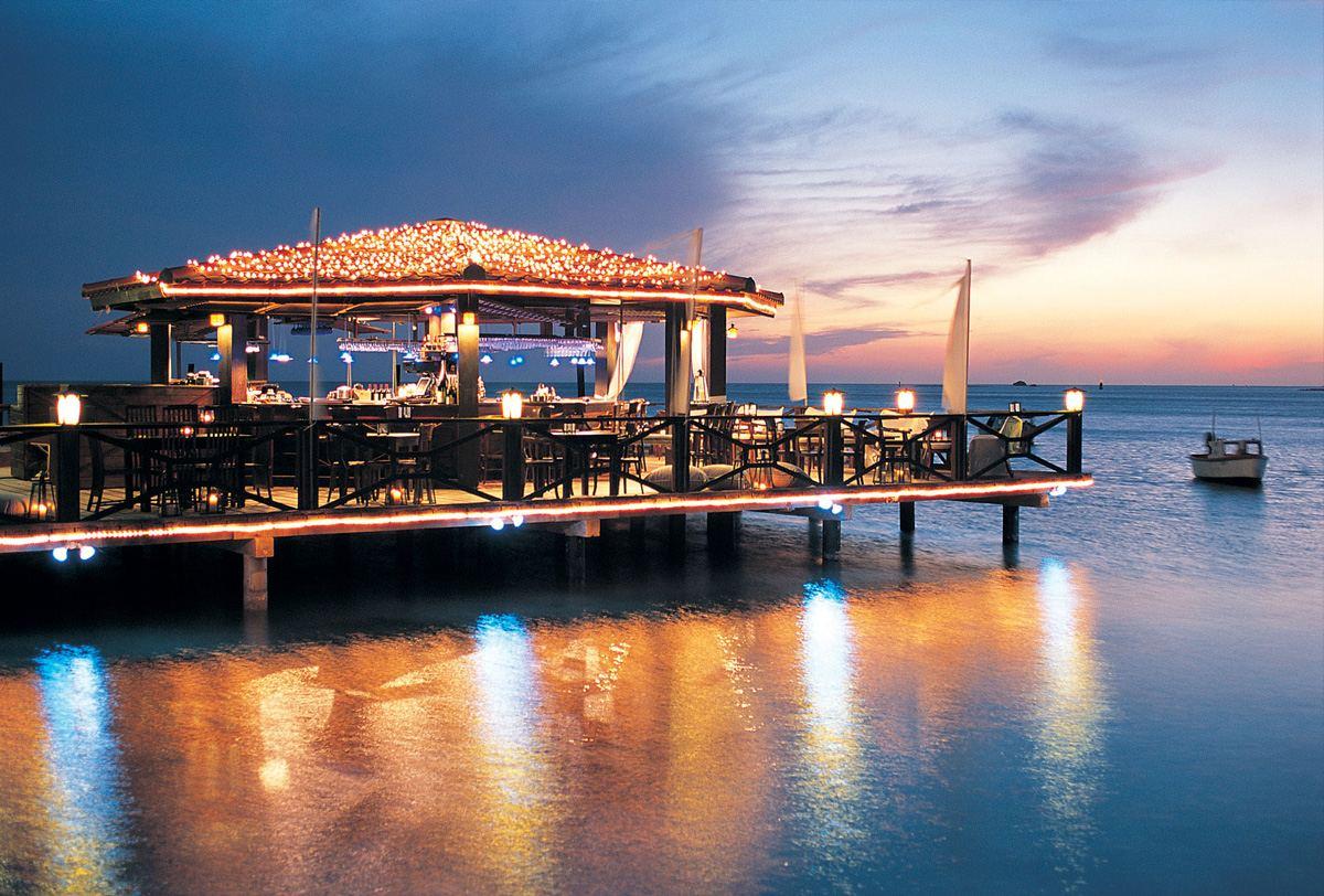 Aruba Restaurants Beachfront Dining Visitaruba Com