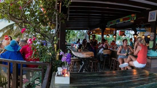 nos-clubhuis-restaurant-in-aruba-contact-and-location-info-visitaruba.jpg