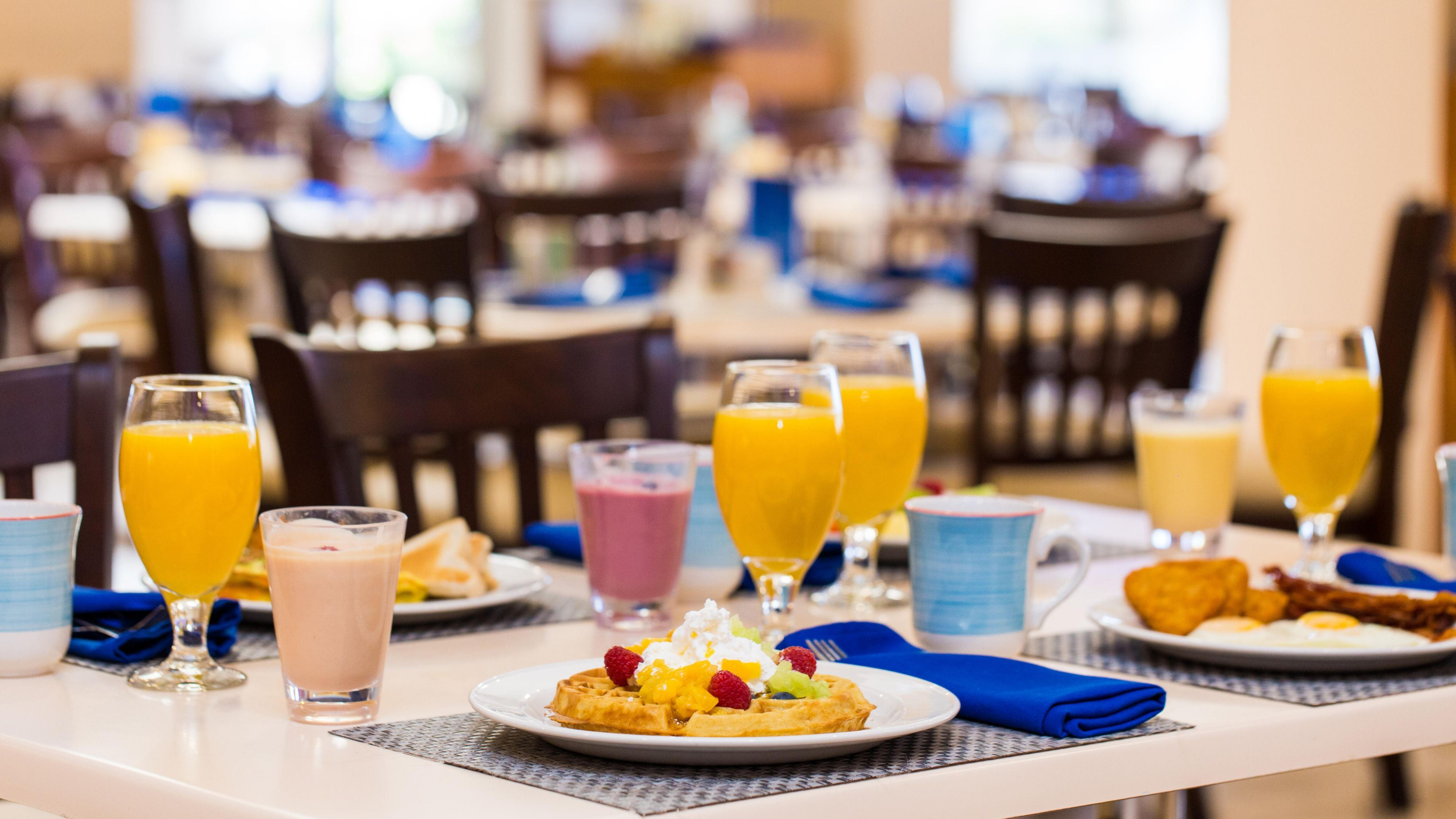 Stay Longer & Save With Breakfast at Holiday Inn Aruba