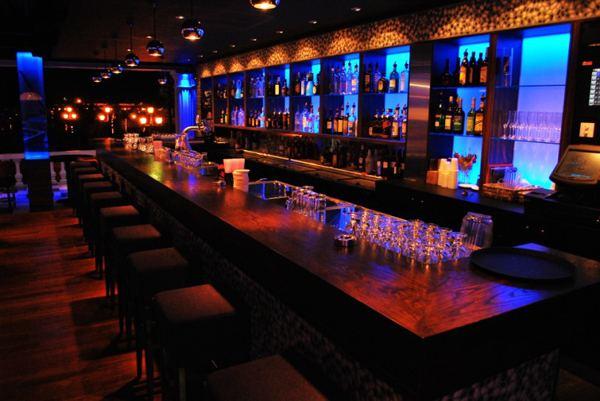 7 West Lounge